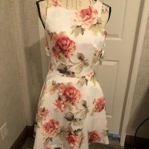 Gianni Bini NWT floral formal sleeveless dress 2